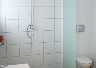 Walk-in-shower (2)